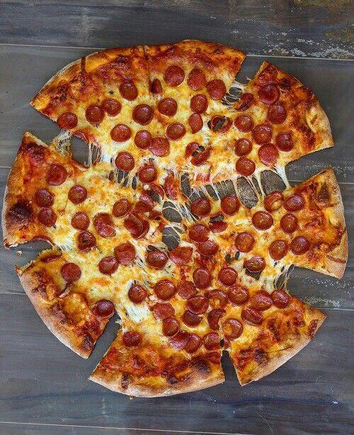 #pizzaporn