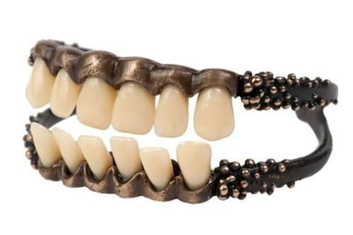 97c3adc411e No way!! teeth for your arm!! - COOL TEETH