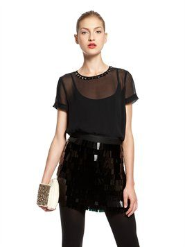 Leve estiramento Georgette S / S scoopneck Blusa W / Decote Embellished
