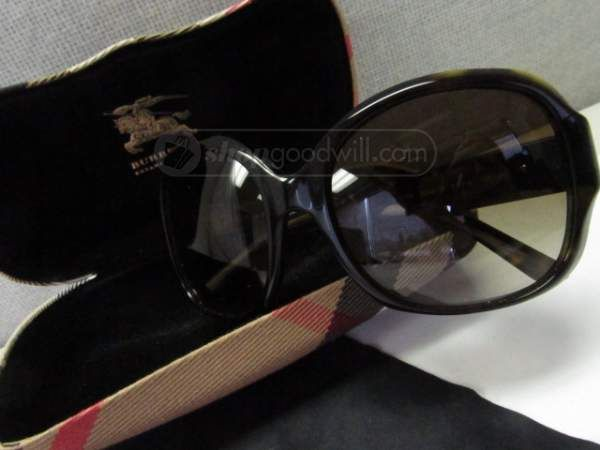 shopgoodwill.com: Burberry Italy Sunglasses with Case