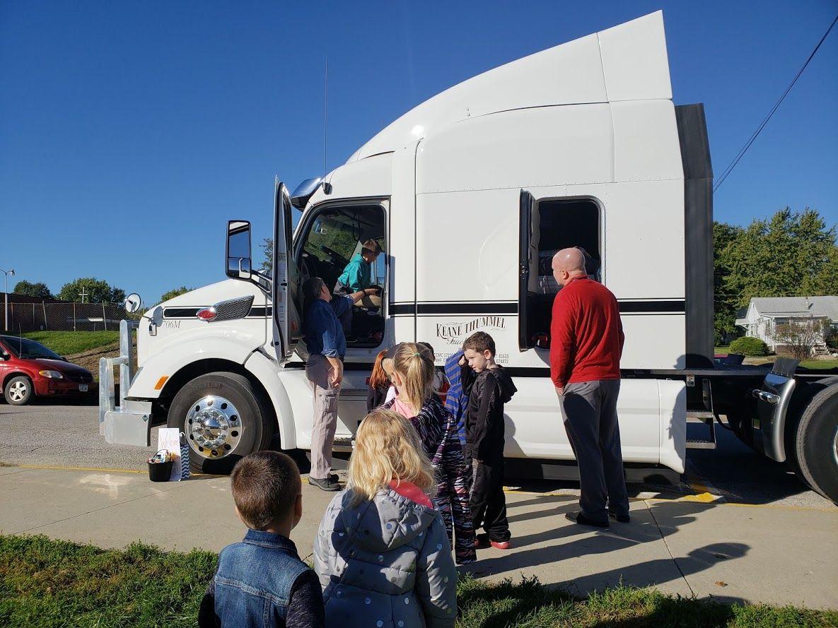 Trucker Buddy Greg helping the Kindergartner's navigate