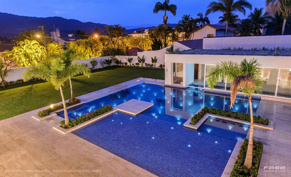 Piscina de fibra para quintal pequeno buscar con google for Alberca residencial