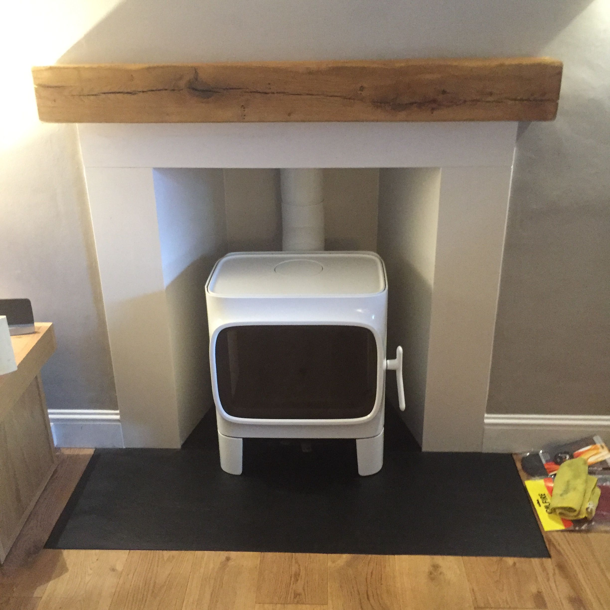 Jotul F105 in White Enamel