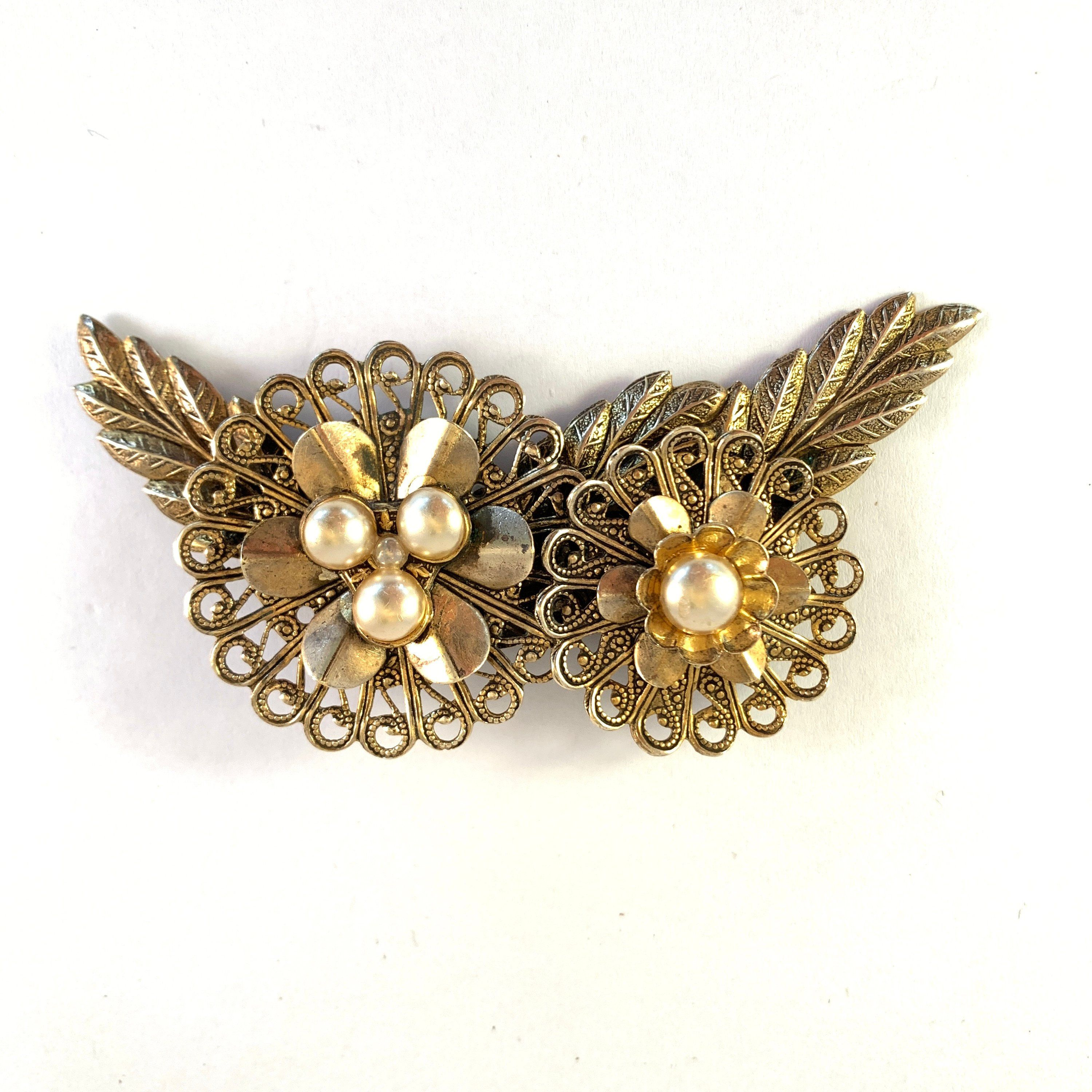 Vintage Amazing Filigree /& Faux Pearl Large Brooch Lovely