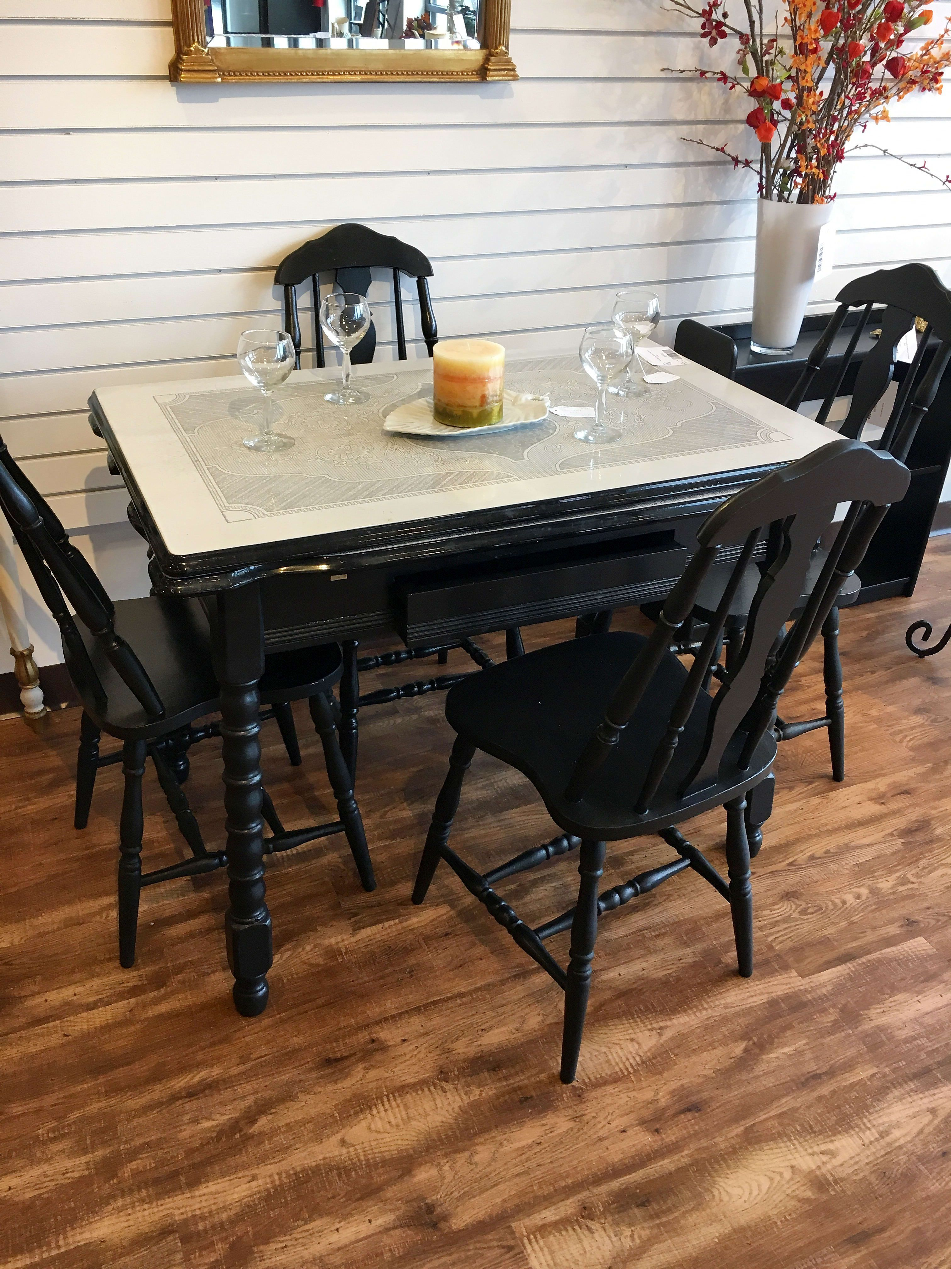 1940 s Metal Top Kitchen Table W 4 Chairs $150 00