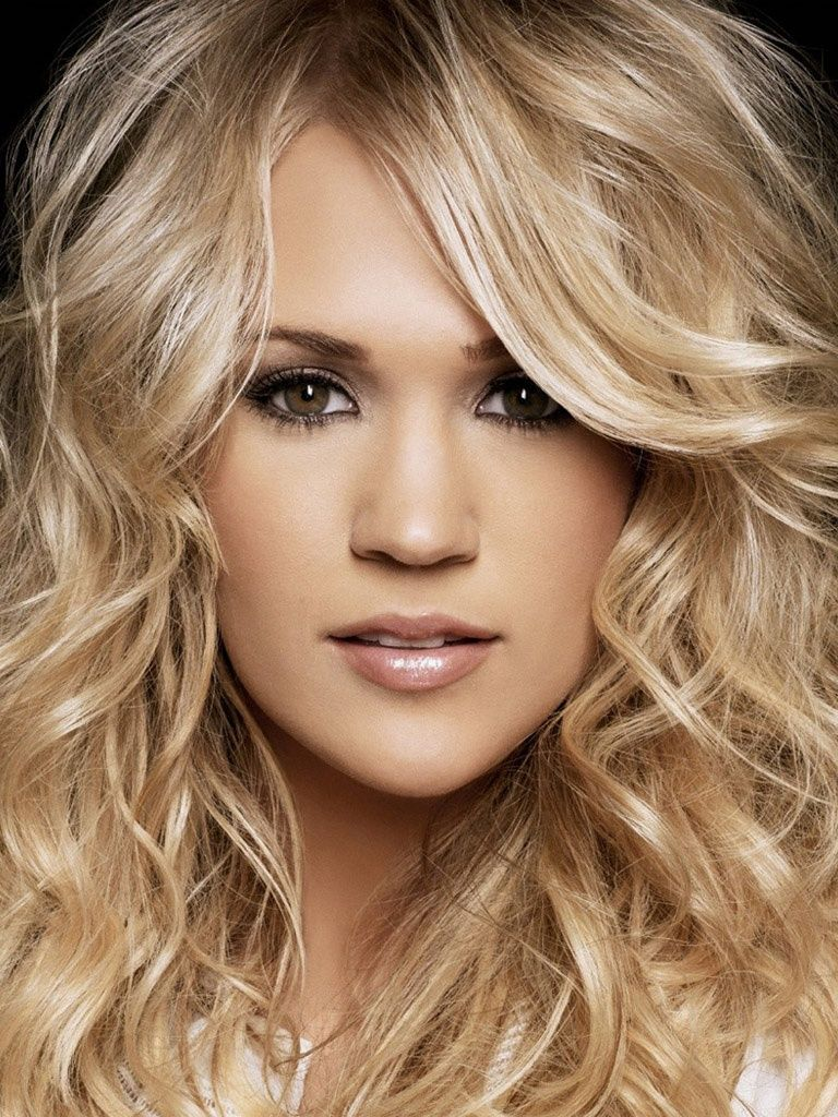 She Is My Favorite Country Singer And Going Platinum Blonde Soon Carrie Underwood Hair Long Hair Styles Long Layered Hair
