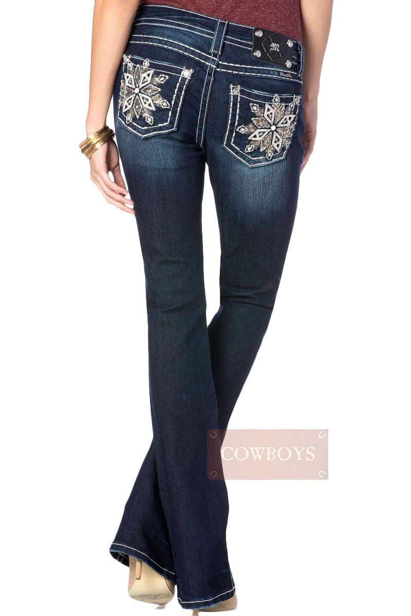 CALÇA MISS ME Feminina importada Mid Rise Boot Cut Dark Blue Pérola Calça  feminina da marca Miss Me Jeans. Designed in Usa. Modelo diferenciado com  bordado ... 79d4a59339b