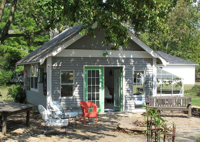 Gentil Fantasy Open House Week: Old Homes Tour #1. Backyard Guest ...