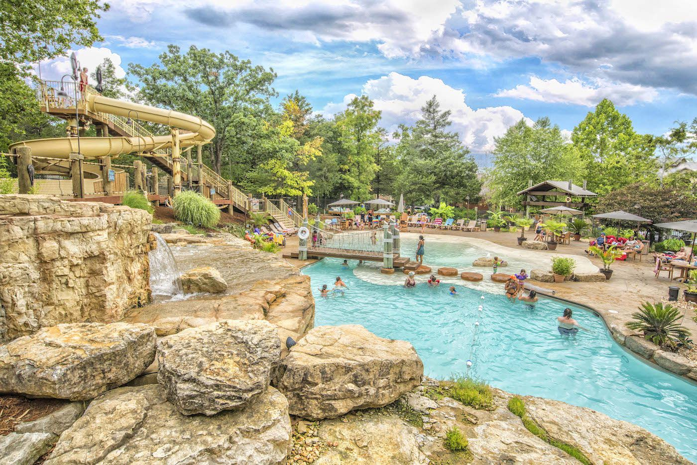 This Exciting Lakefront Resort In Branson Missouri Includes Spacious Nightly Rentals Free Ameniti Branson Missouri Vacation Branson Resorts Branson Vacation
