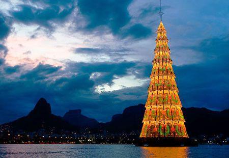 Rio de Janeiro--floating Christmas Tree