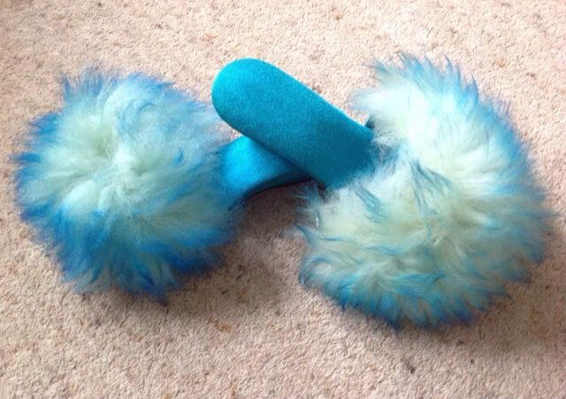 848bebba9f79f4 Blue 70s retro fluffy slippers