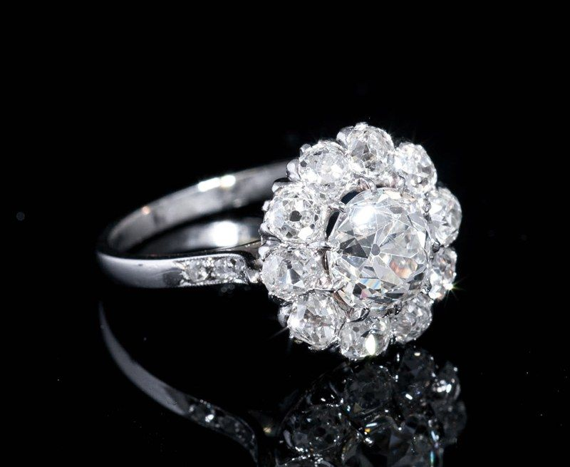 Bagues anciennes   Art déco   Bague ancienne en diamants de type «  marguerite » 65097253b75c
