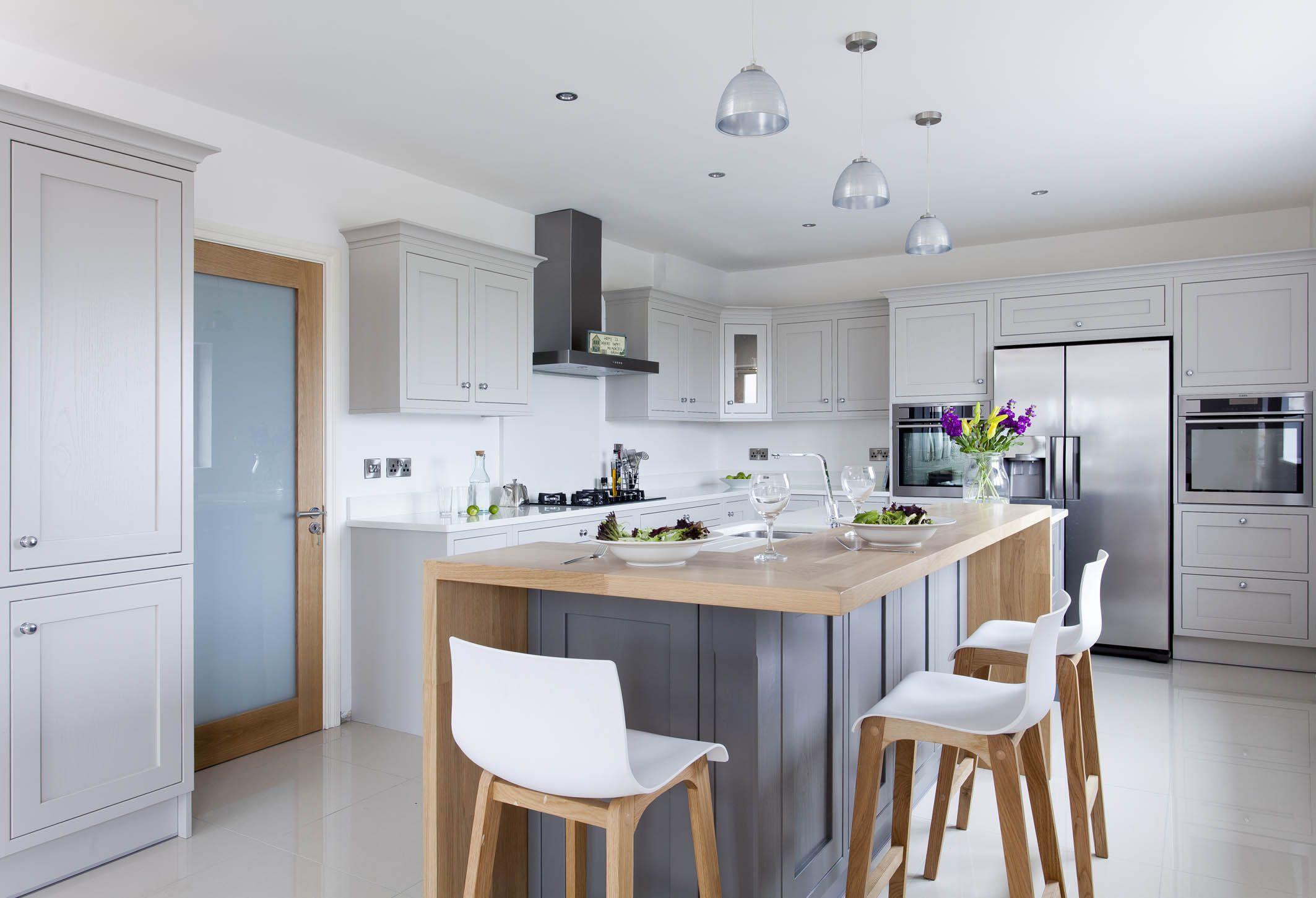 Best White Moles Breath Kitchen Contemporary Kitchen 400 x 300