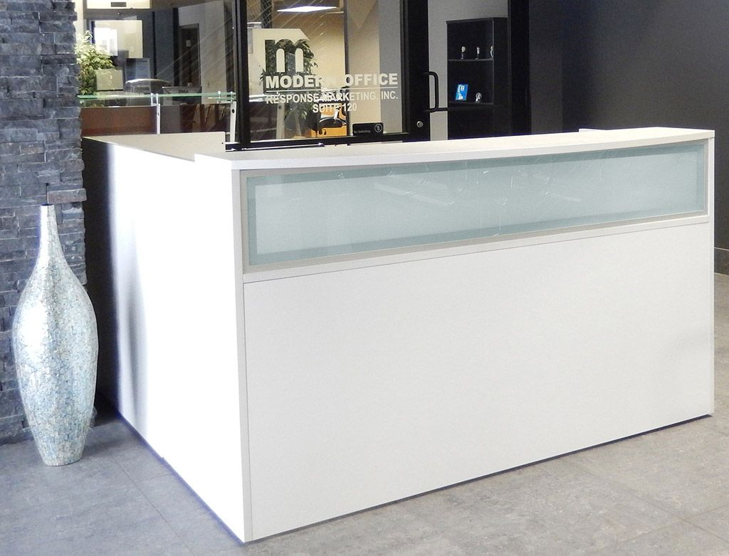 L Shaped White Reception Desk W Frosted Glass Panel White Reception Desk Reception Desk Glass Salon Reception Desk