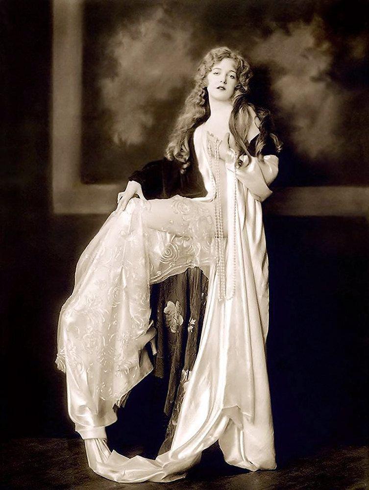 Ziegfeld Girls - Alfred Cheney Johnston - Vintage Photograph - Nude ...