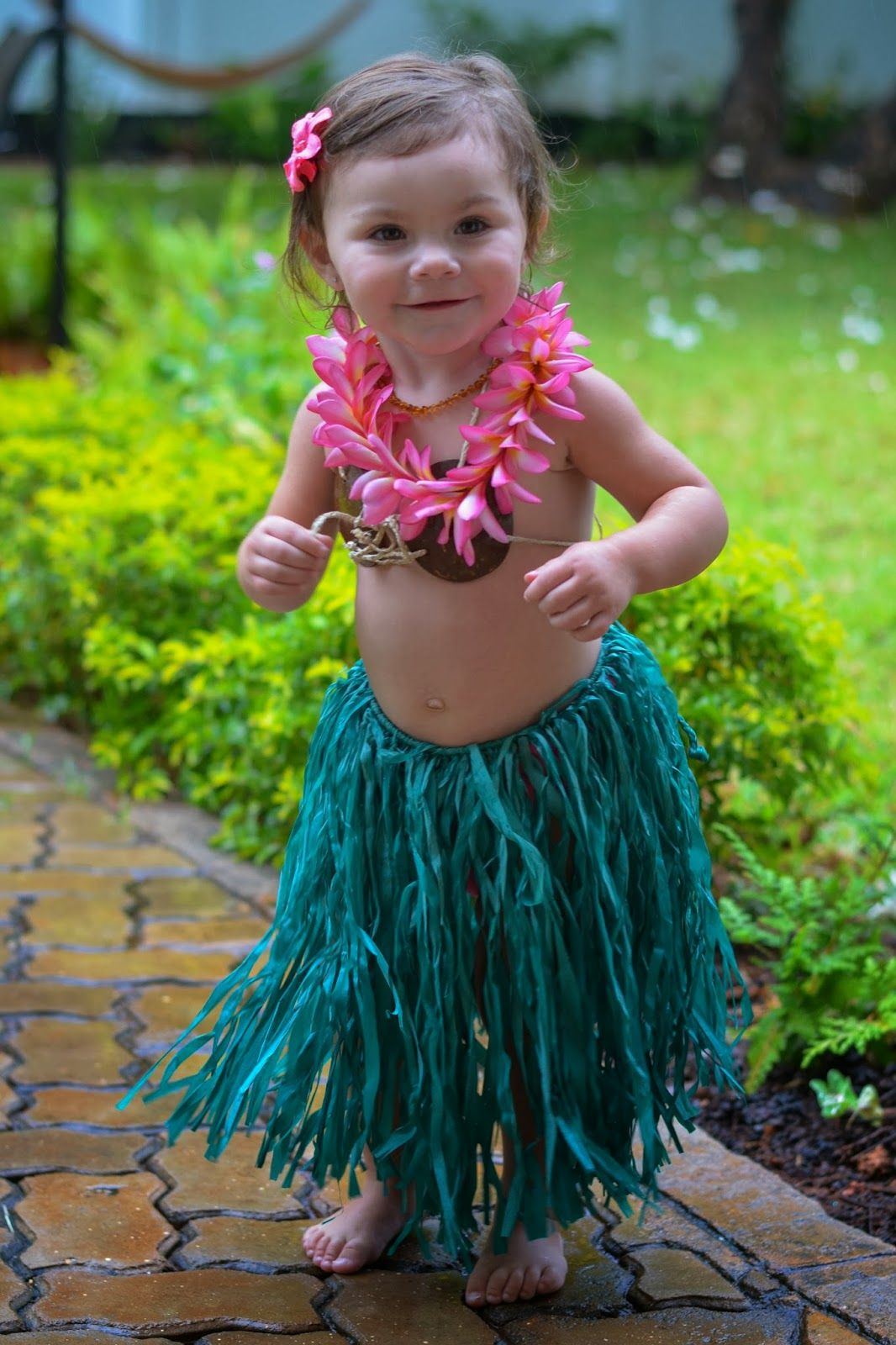 Toddler Hula Costume for Halloween  sc 1 st  Pinterest & Toddler Hula Costume for Halloween | Julia | Pinterest | Hula ...