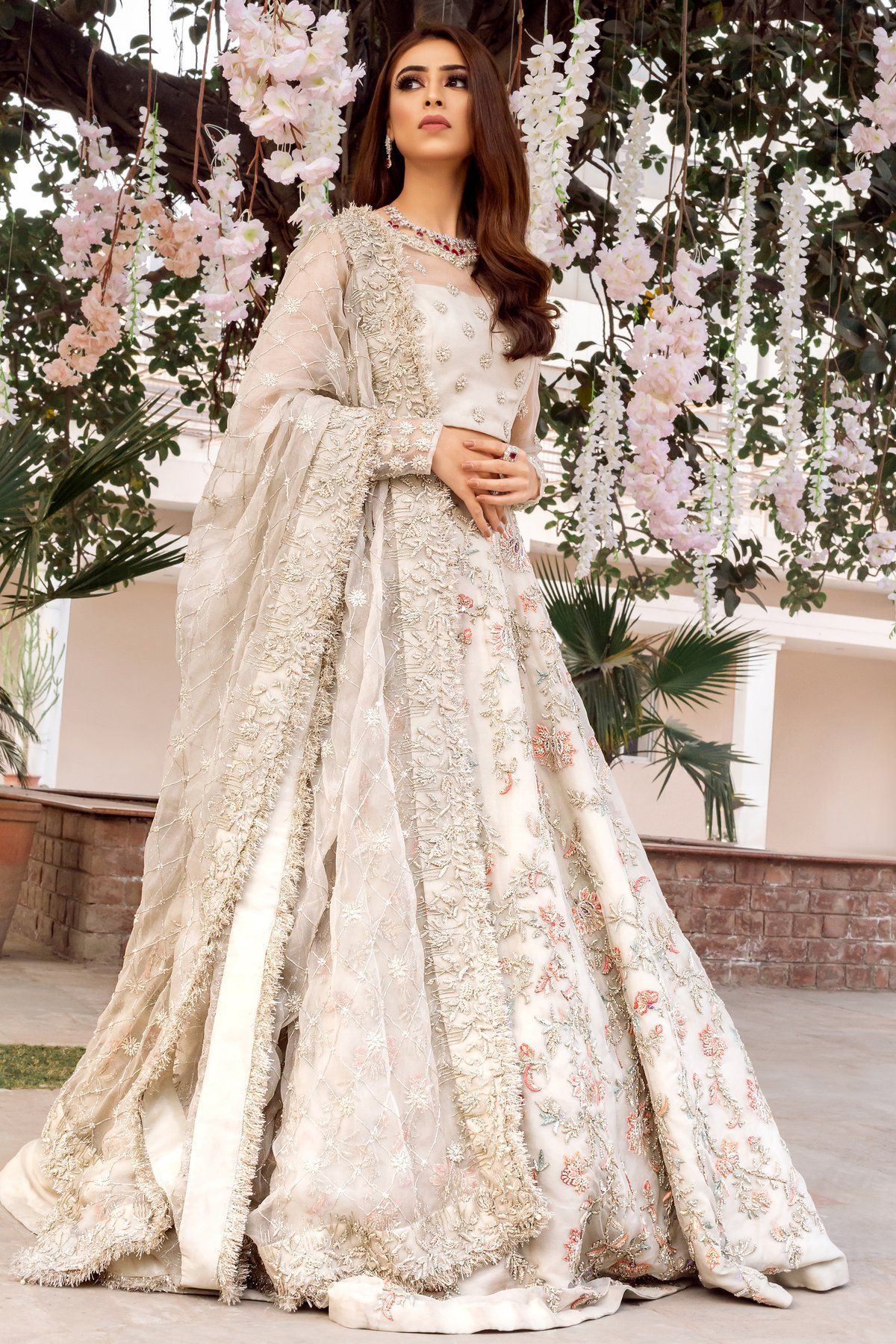 Ivory Color Wedding Lehenga In 2020 Indian Wedding Gowns Desi