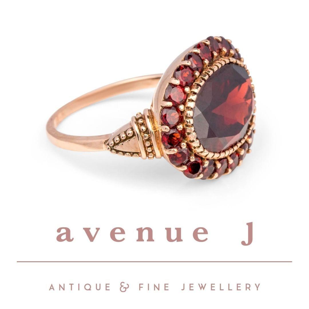 Alluring 9 Ct Rose Gold Georgian Style Oval Garnet Dress Ring