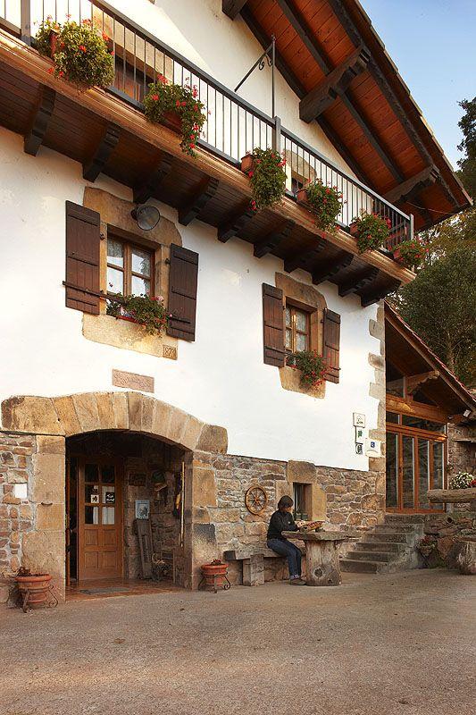 Caserio urruska elizondo navarra inaki caperochipi photography caserios vascos turismo - Casas rurales pais vasco frances ...