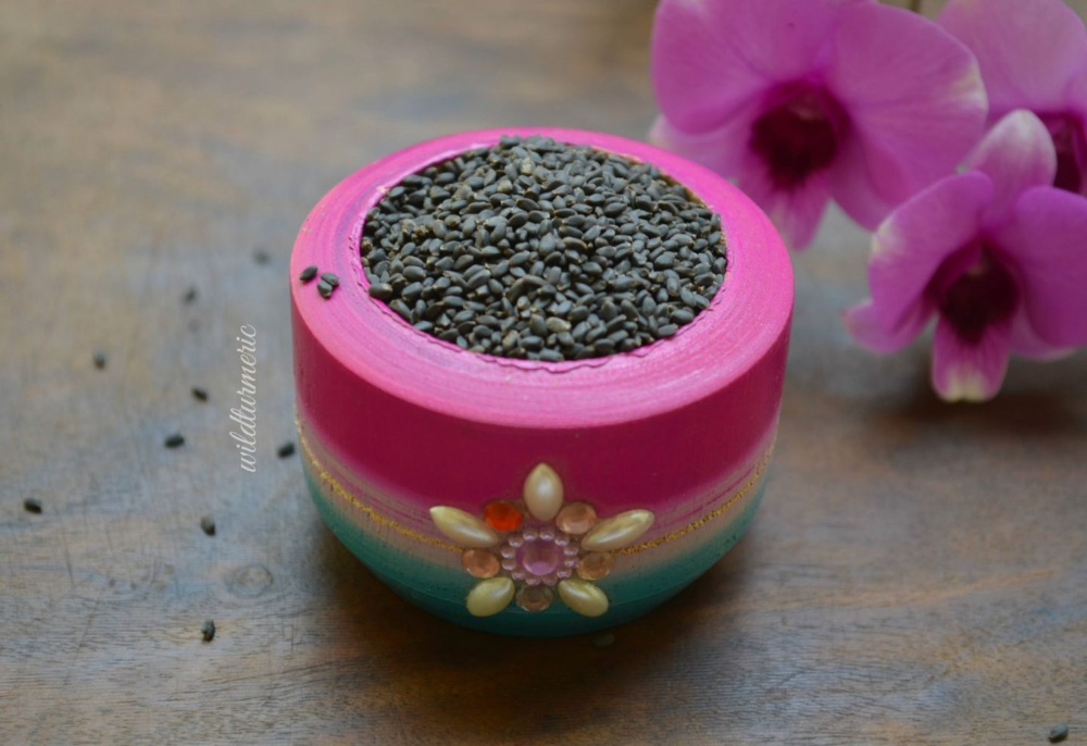 7 Top Health Benefits  Uses Of Sabja Seeds Basil Seeds  Tukmaria For Hair Skin  Weight Loss