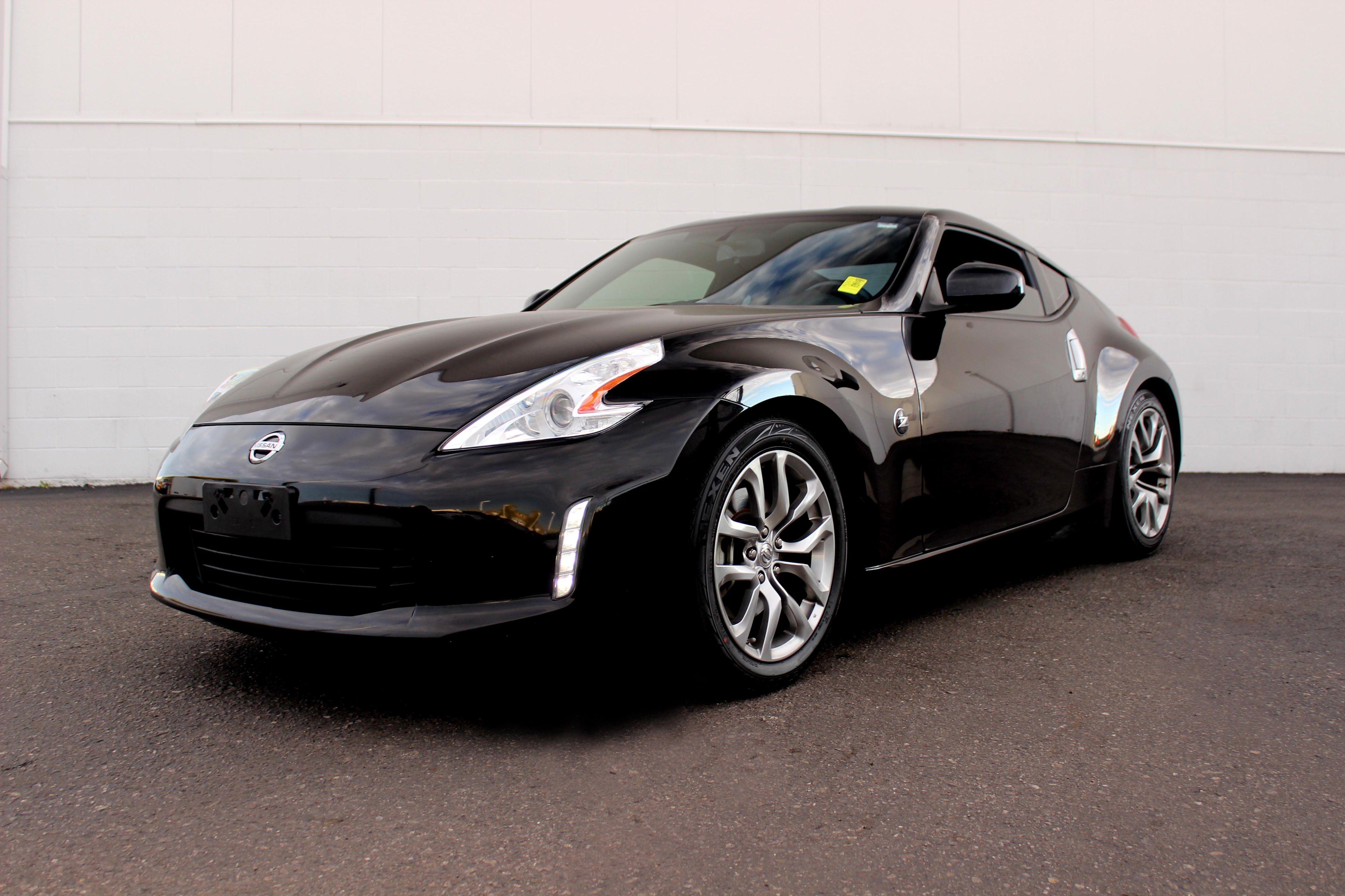 2013 Nissan 370Z   Magnetic Black