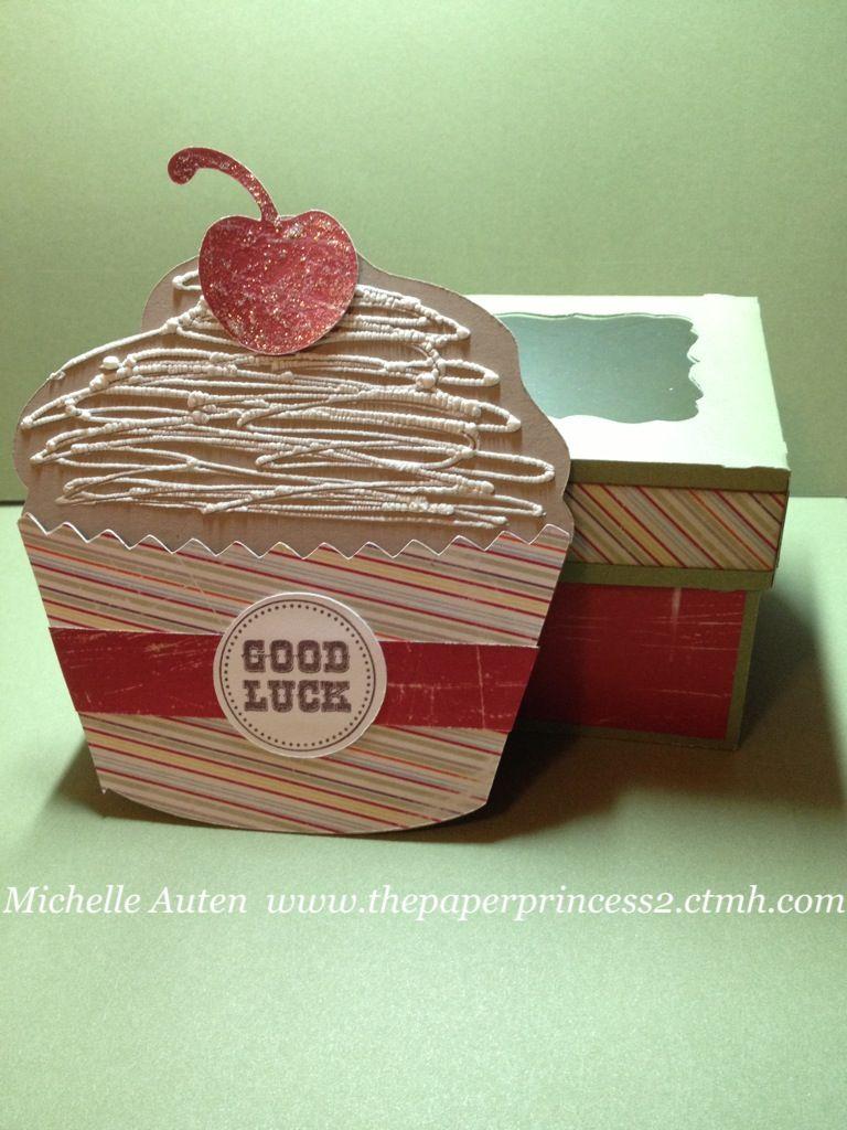 Cupcake gift card holder and cupcake box made with cricut