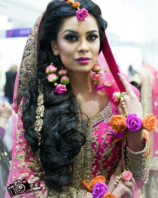 Mehndi Flower Jewelry Uk : Top splendiferous collection of flower jewellery for
