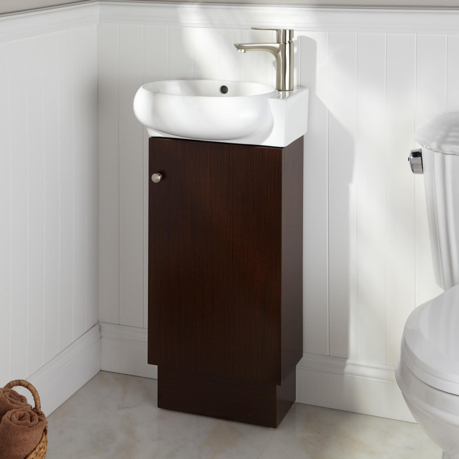 17 Findlay Vanity In Wenge In Right Wood Signature Hardware