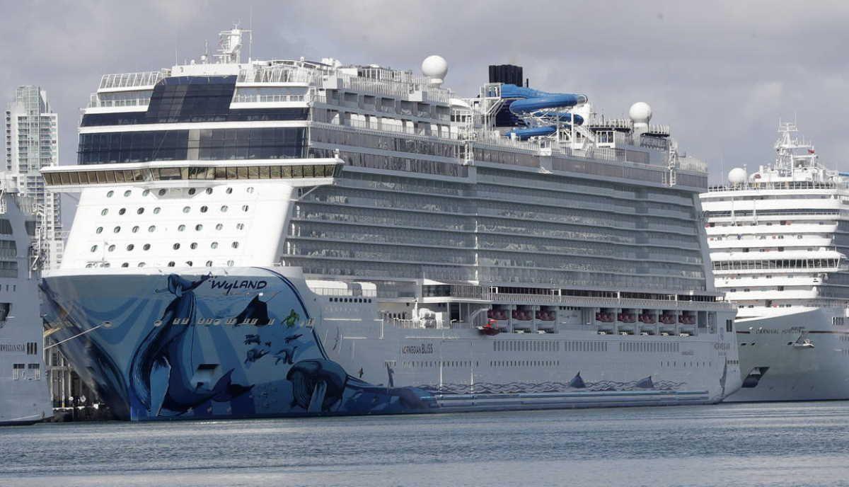 CDC extends U.S. cruise ship ban through October 31 in