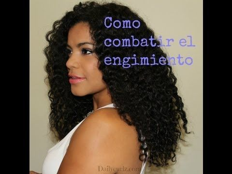 Tecnica para combatir el encogimiento en el cabello rizado