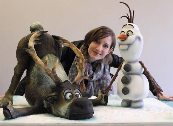 Two Adorable Cakes Based On The Disney Film Frozen