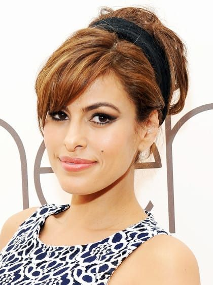 eva mendes mit 60er jahre frisur stylight haare. Black Bedroom Furniture Sets. Home Design Ideas
