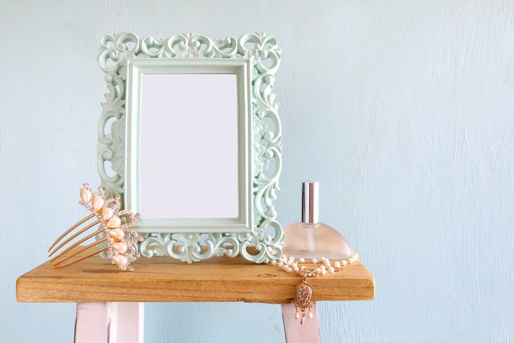 37 Different Types Of Picture Frames Picture Frame Decor Photo Wall Decor Picture Frames Different types of picture frames