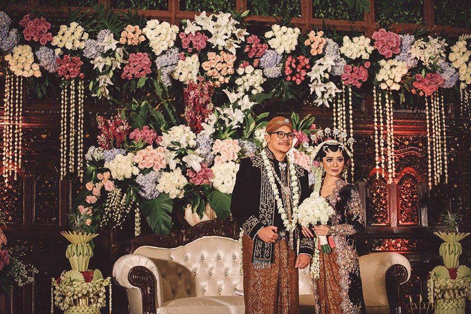 Pernikahan adat jawa jihan dan tatok di semarang wedding pernikahan adat jawa jihan dan tatok di semarang junglespirit Image collections