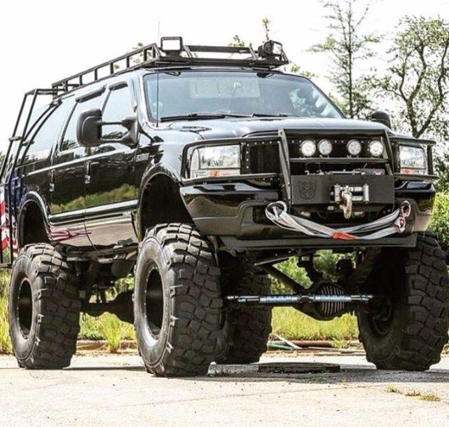 Superior Ford Excursion