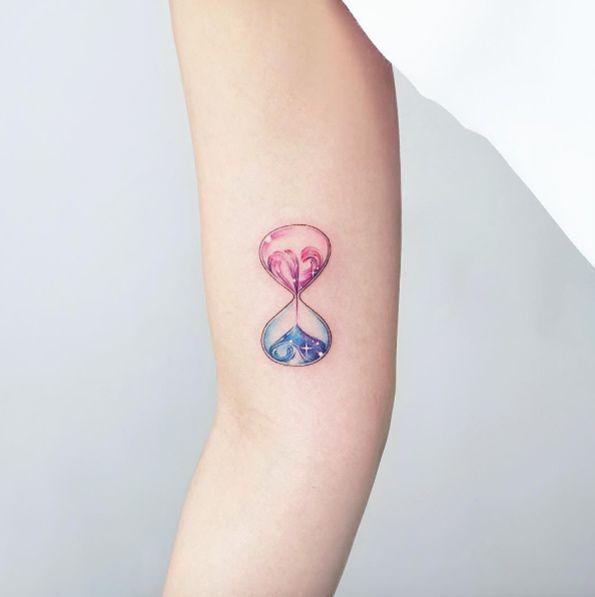 hourglass tattoo ideas | tattoo | pinterest | tatouage, tatouage