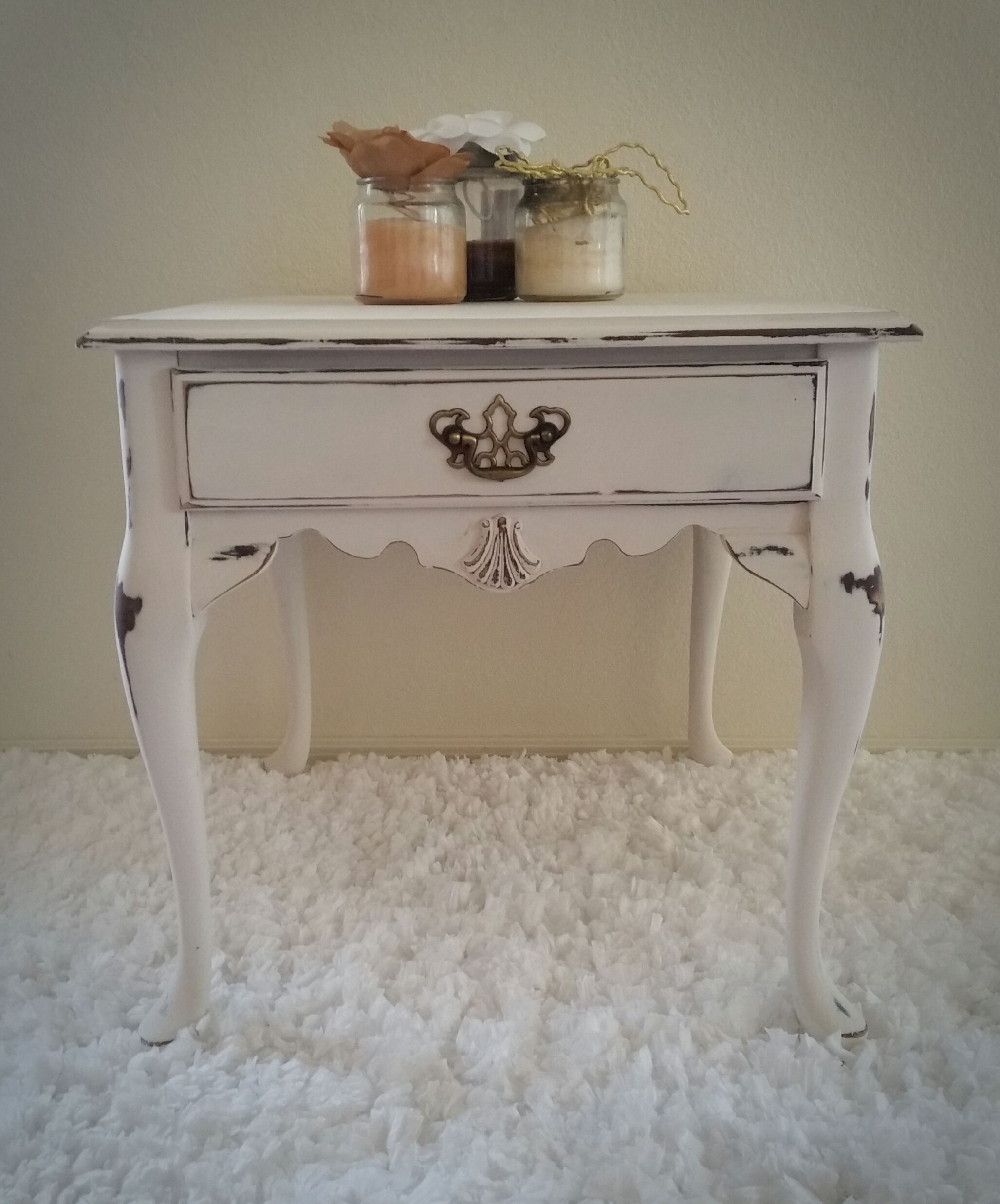 Shabby Cottage White End Table Distressed Queen Anne French