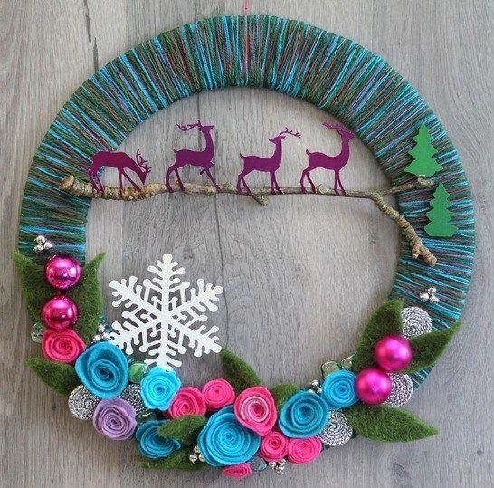 tutoriel faire une couronne de noel avec de la laine et du carton