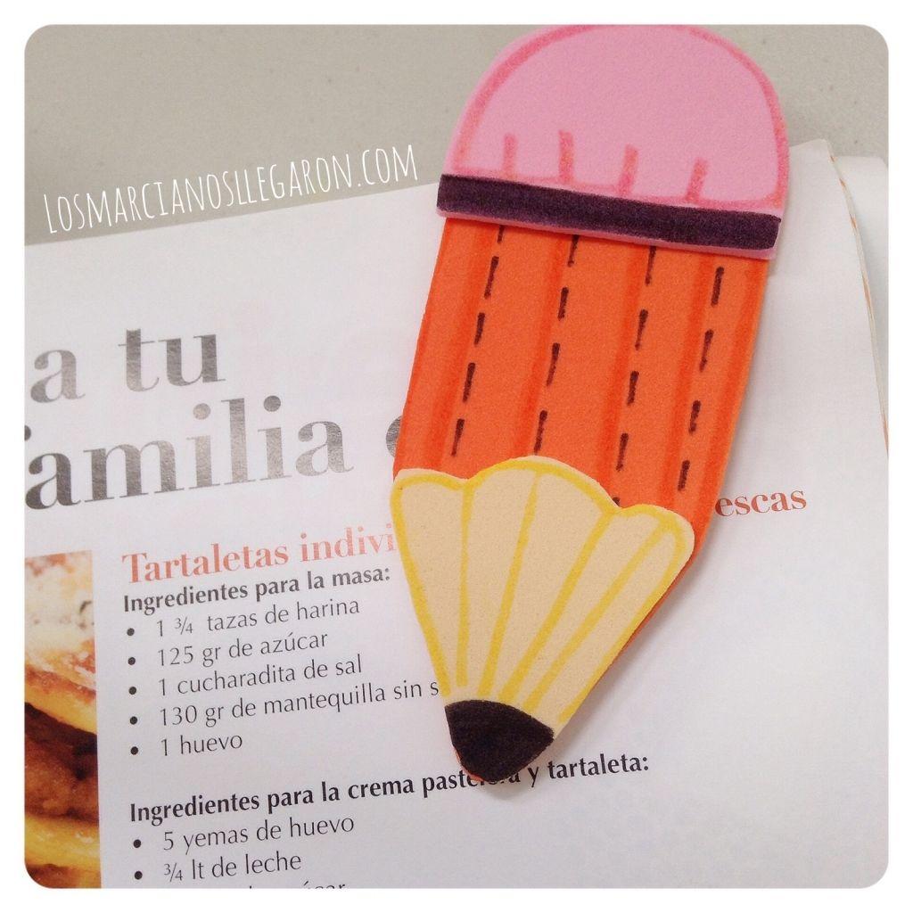 Marcalibro de foami con forma de lapiz d a del libro - Adornos para lapices en goma eva ...