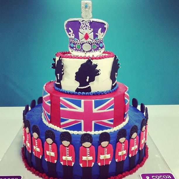 Cocoa And Cos Queen Elizabeths Birthday Cake A Cake Fit For A