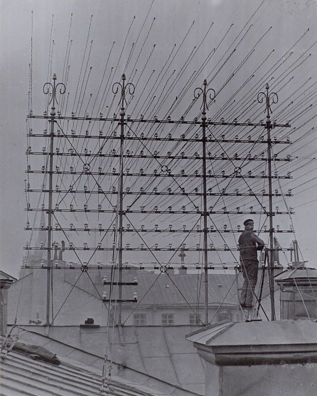Fine Photos From The Days When Thousands Of Cables Crowded The Skies Wiring 101 Orsalhahutechinfo