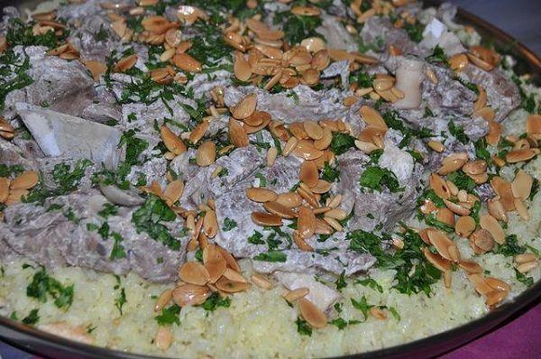 طريقة عمل المنسف الاردني خطوة بخطوة طريقة Recipe Middle Eastern Recipes Mansaf Food