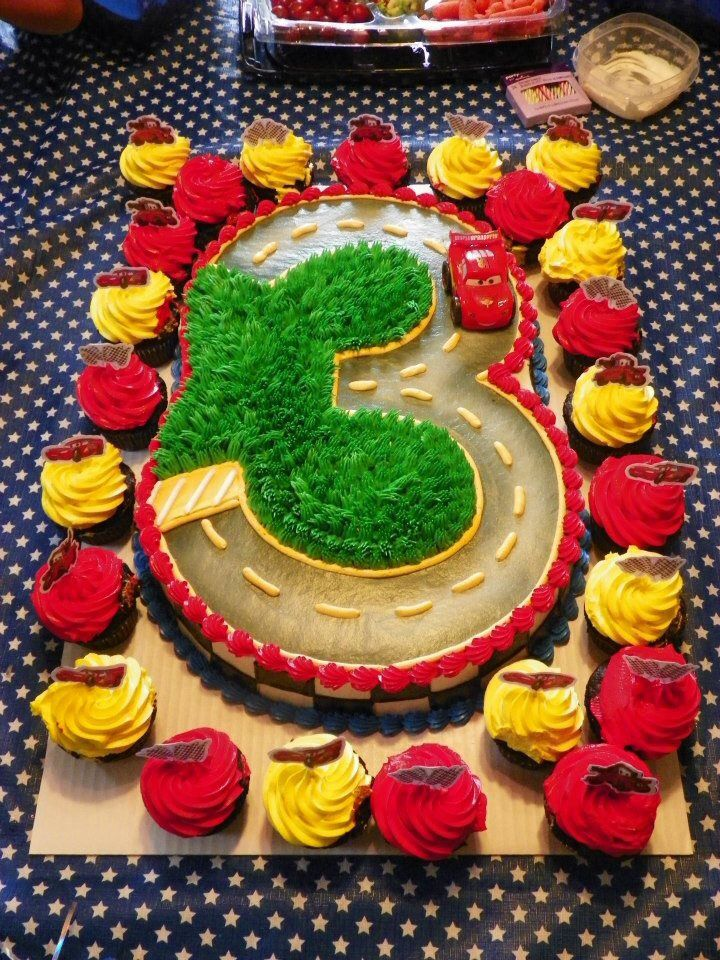 Lukes 3rd birthday cake made by oakmont bakery in oakmont