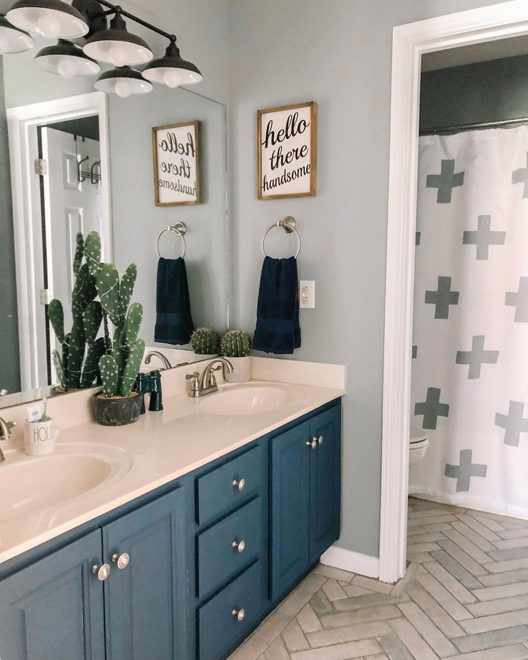 Best Color For Bathroom To Sell House