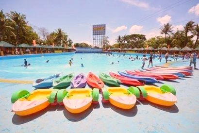 40 Off All Day Pass To Splash Island Laguna Philippines Laguna Pool Float Island