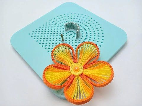 How to make flowers using a quilling husking board