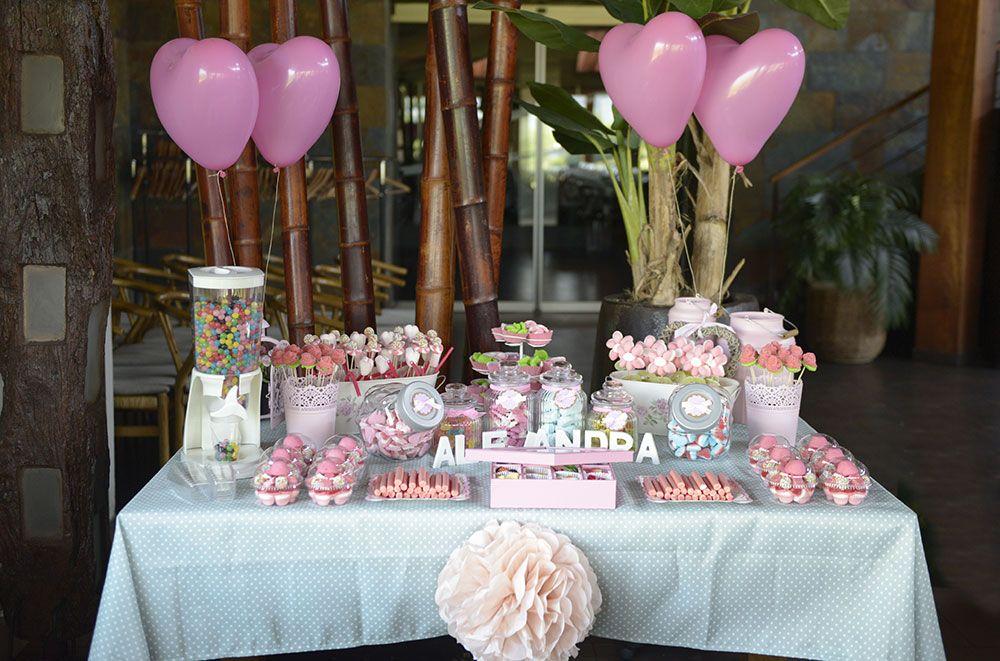 Un Candy Bar es una mesa para que tus invitados se sirvan las gominolas que ms les gustenEs una idea genial para bodas comunio  My 2017