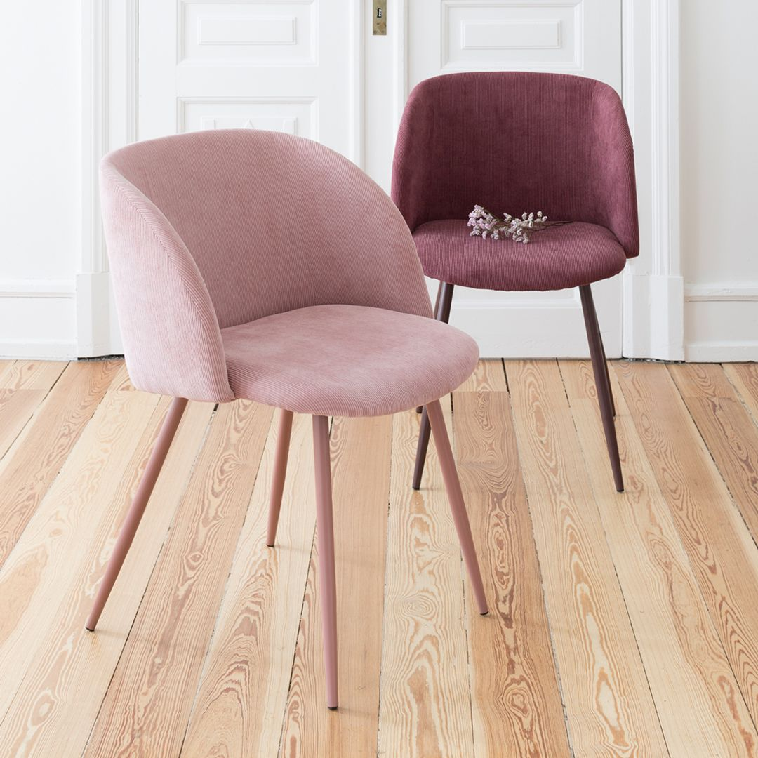 Sostrene Grene On Instagram The Soft Corduroy Gives The Classic Chairs A Brand New Look Says An Chaises Classiques Chaise Salle A Manger Mobilier De Salon