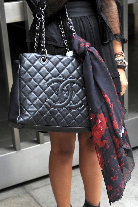 418a64546d55 Chanel with Accessories