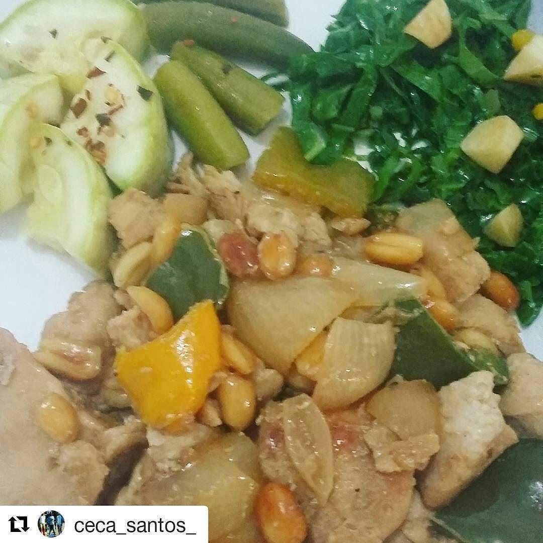 E que tal um frango xadrez para a janta? Ótima opçao!! . .  #Repost @ceca_santos_ with @repostapp  Quebrando o protocolo de 18/6 com  frango xadrez low carb (dos meninos do @senhortanquinho  muito gostoso meu  de comer   ) couve alho frito quiabo e abobrinha  #comidadeverdade  #instarecife  #paleobrasil #paleope #lowcarb #lowcarbsdiet #lowcarbbrasil #cetogênica #mulheresquetreinam #mamaefitness #mamaefininha  #comidacaseira #recifensesfit  #jejumintermitente #ketodiet #keto #lchf #lchfbrasil…